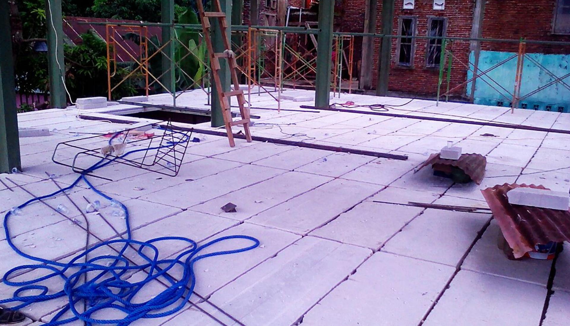 Material Panel Lantai Yang Presisi